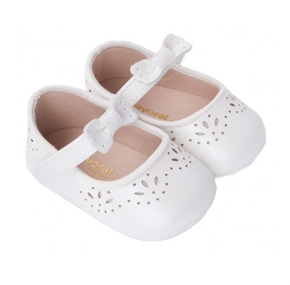 d6d27071f54 Mayoral Παπούτσια Μπαρέτες διάτρητες 9814-049 λευκό